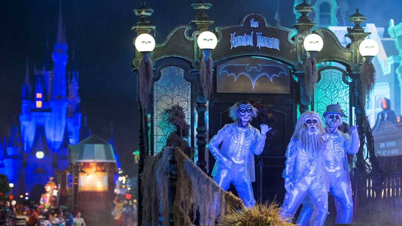 New 'Inside Disney Parks' – Best of Halloween at Disney Parks