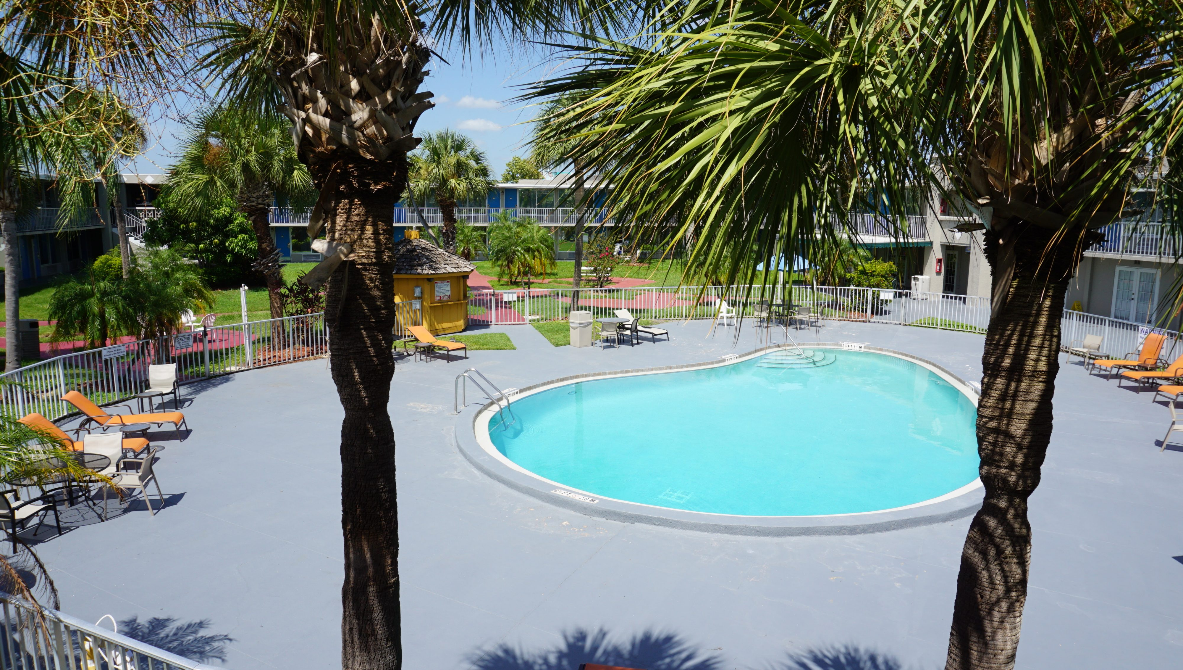 Days Inn Orlando International Drive Reviews are in: Unbeatable Location!