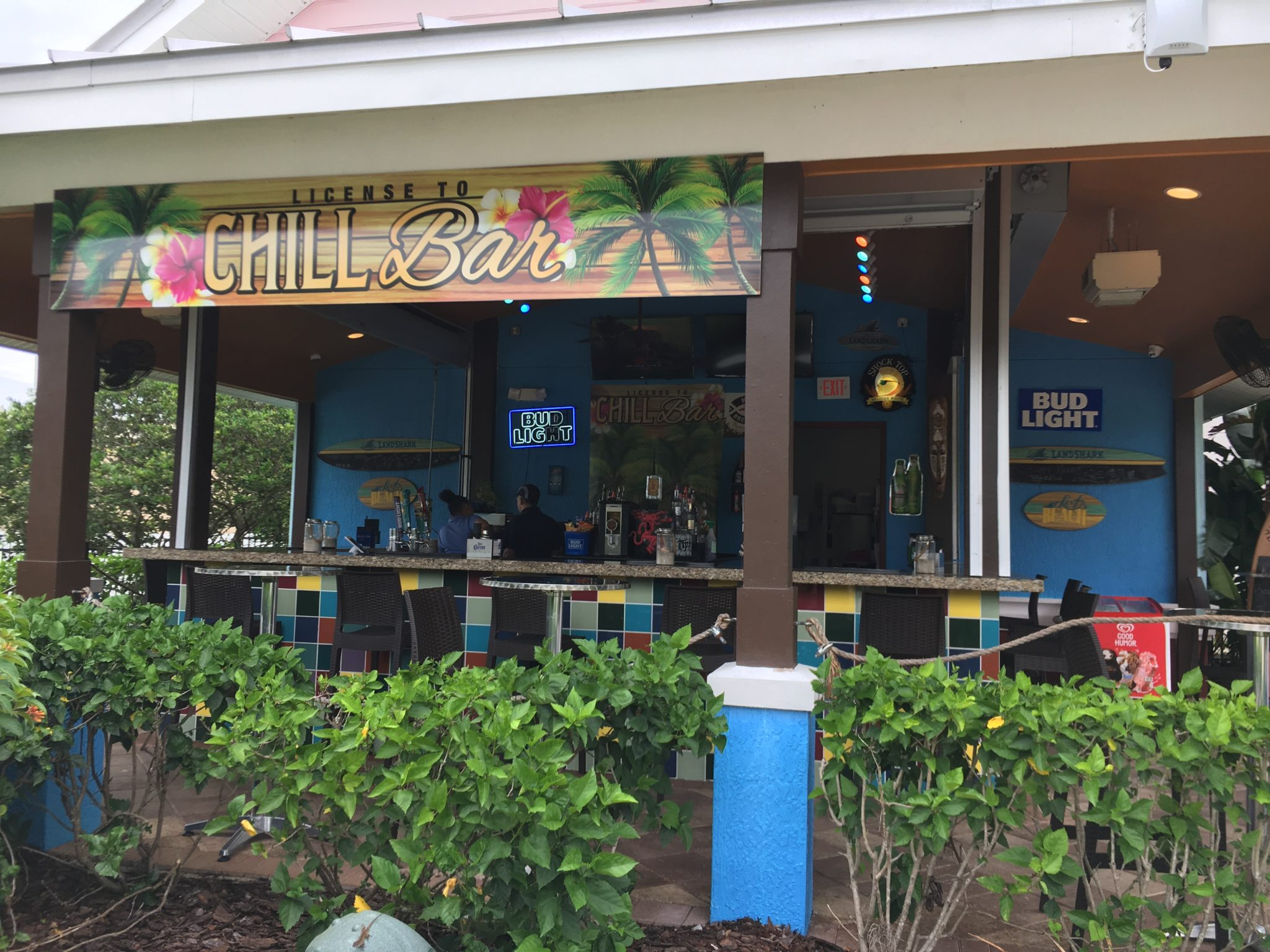 On-site tiki bar and grill