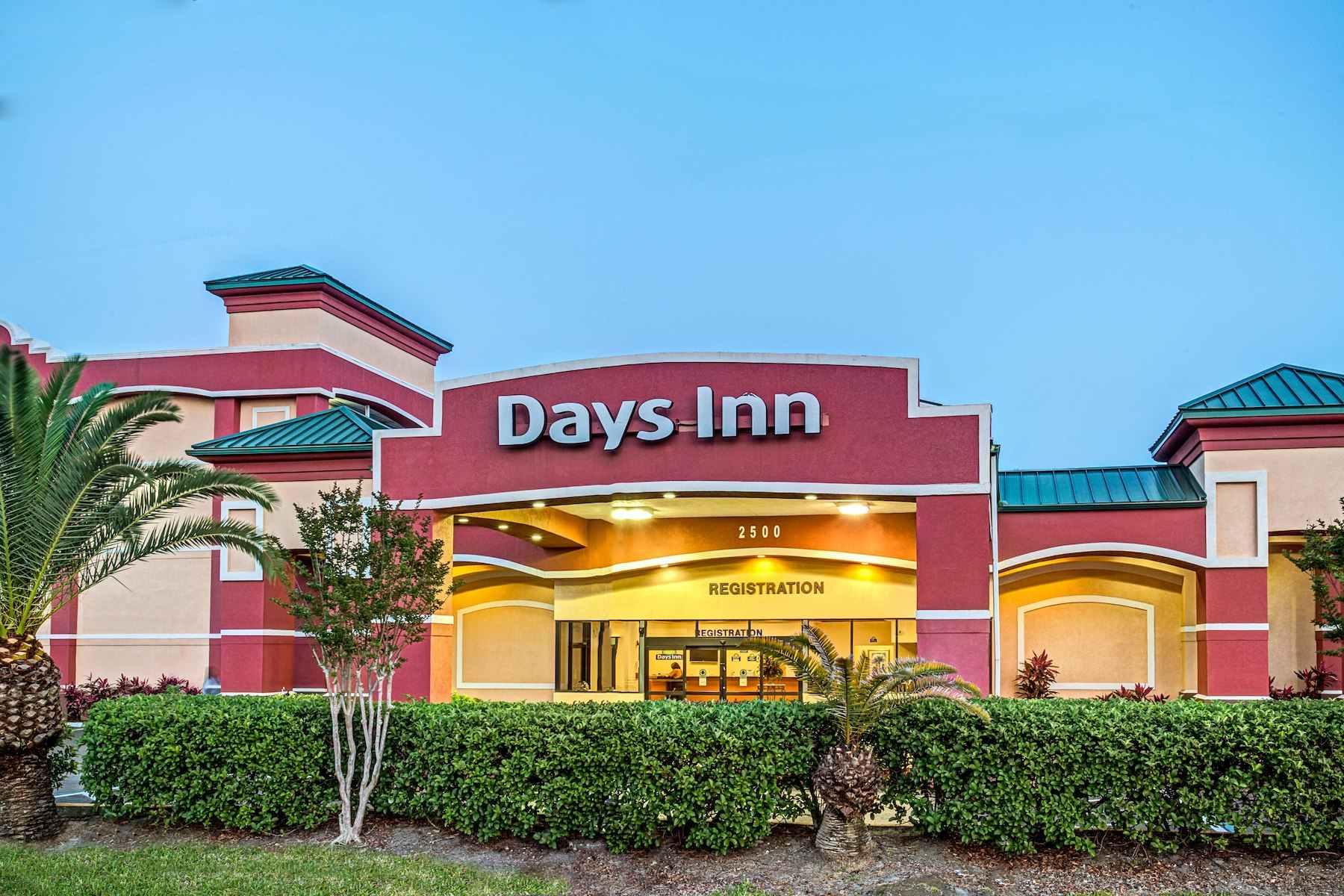 Previous Slide Next Slide Days Inn by Wyndham Orlando Near Millenia Mall