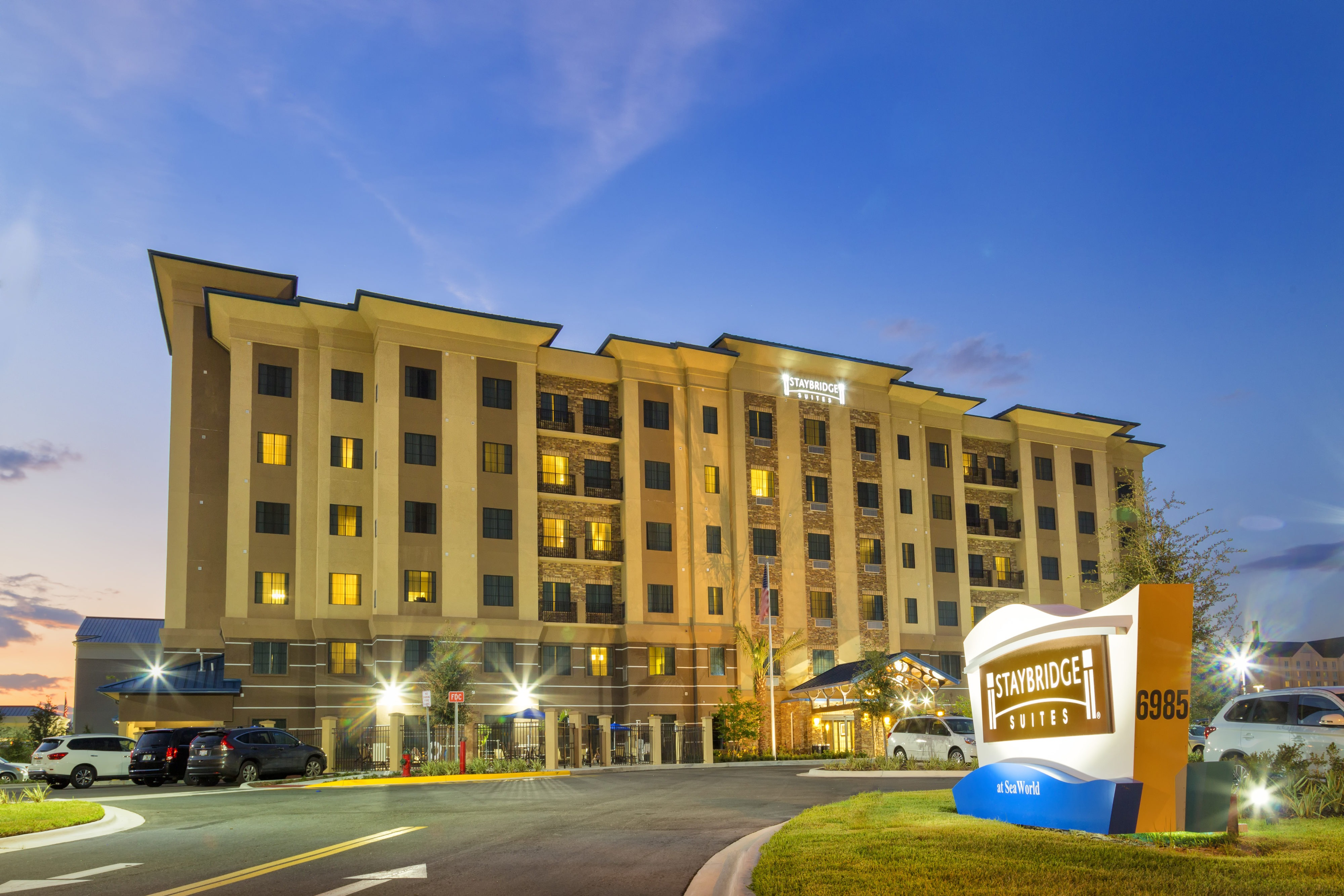 """Don't Just Settle for a Room! Live the """"Suite"""" Life at Staybridge Suites Orlando at SeaWorld!"""