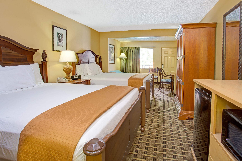 Travelodge Suites by Wyndham Kissimmee Orange bedroom