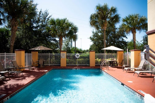 comfort suites near orlando international airport pool area
