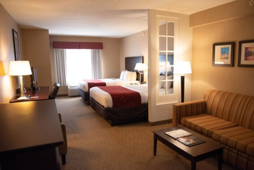 comfort suites near orlando international airport bedroom in florida